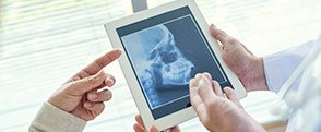 Full skull x-ray on tablet computer